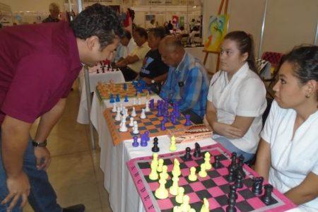 Tres días de fiesta ajedrecística en la Expo-DIF Adulto Mayor