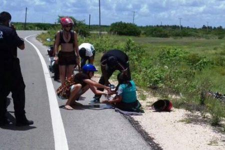 Lesiona a una jovencita por lucir su valentía en la motocicleta