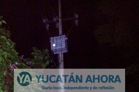 Vecinos de Hunucmá enfrentan a empleados de Movistar que los dejan sin corriente