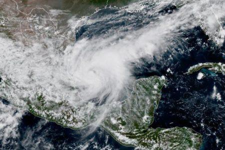 Katia ya es huracán de categoría uno en el Golfo de México