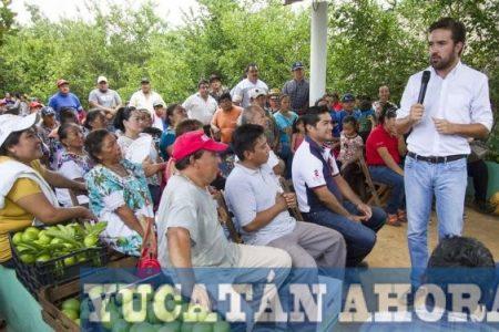 """Pablo Gamboa escucha propuestas de productores en la """"Huerta del Estado"""""""