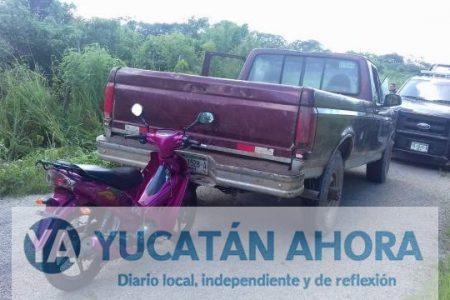 Se aporrea contra una camioneta en la Carretera Oxkutzcab-Maní