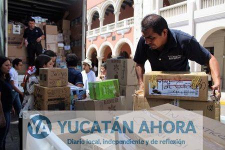 Mérida envía camión con 12 toneladas de víveres a Puebla