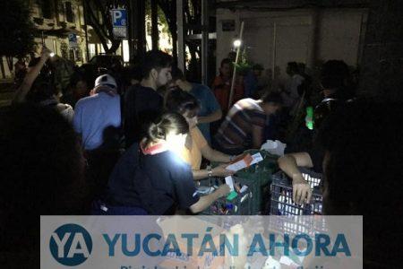 La participación juvenil, lo más destacable en horas posteriores al sismo