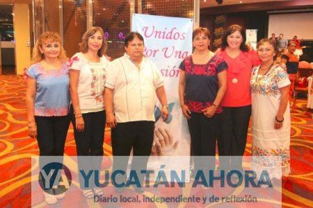 Apoyo a quinceañeras de escasos recursos en Yucatán