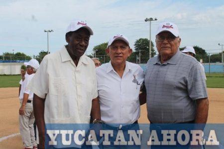 Reviven antiguas glorias deportivas en el aniversario de la Jesús Carranza