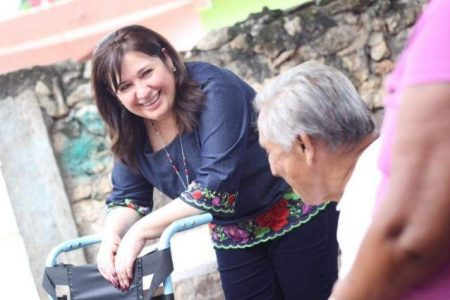 Meridanos le piden sillas de ruedas a Celia Rivas