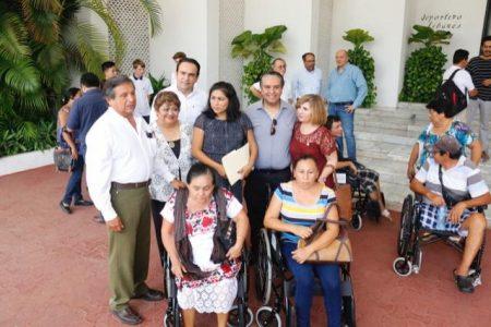 Entrega donativo Club Rotarios Mérida Itzaes