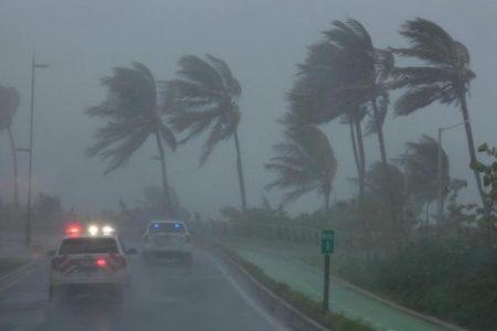 El huracán Irma obliga la suspensión de seis vuelos Mérida-Miami