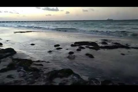 El mar comienza a salirse en zonas costeras de Yucatán