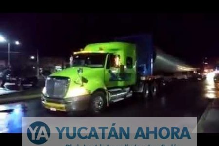 Trasladan a Dzilam Bravo las torres para el primer parque eólico de Yucatán