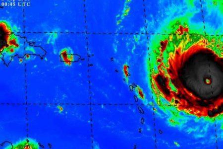 Irma amenaza con llegar a la categoría 5 antes azotar en las Antillas