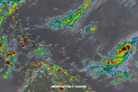 Irma ya es categoría 3 y sigue avanzando hacia el oeste