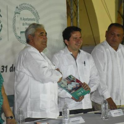 Rinden informe municipal en Progreso