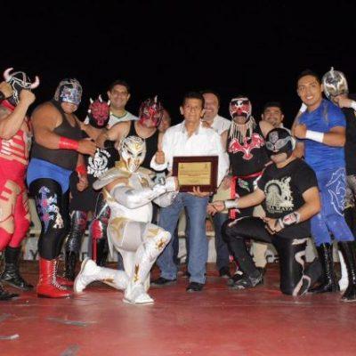 Con lucha libre festejan 100 años de la Colonia Carranza