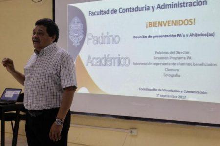 """""""Padrinos académicos"""" contra la deserción escolar en la FCA de la UADY"""
