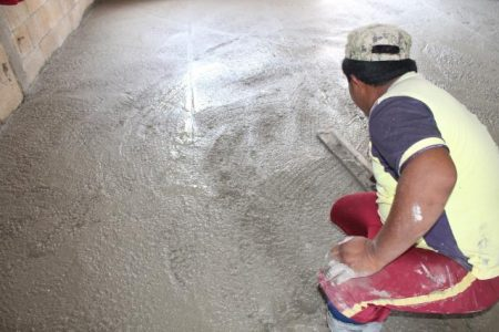 Anuncian que continuará el programa de pisos firmes en Progreso