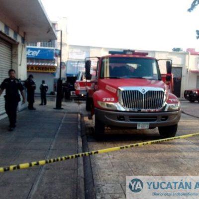 Se incendia papelería en el centro de Mérida