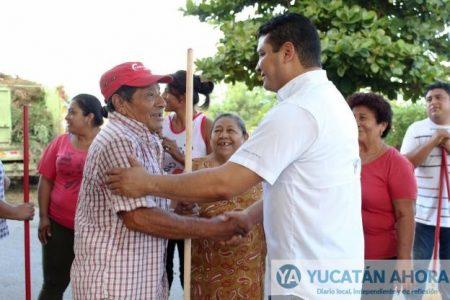 Funcionarios y vecinos de Kanasín realizan jornada de limpieza
