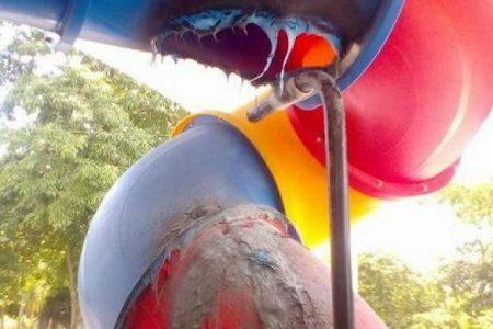 Vandalizan juegos infantiles en parque recientemente remozado