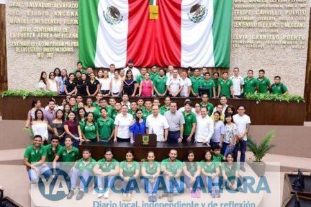 En el Congreso complementarán su preparación estudiantes del Instituto Patria