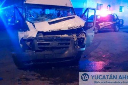 Choque entre transportistas, por fortuna sin pasajeros lesionados