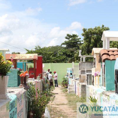 Los cementerios de Kanasín ya lucen limpios para recibir visitantes