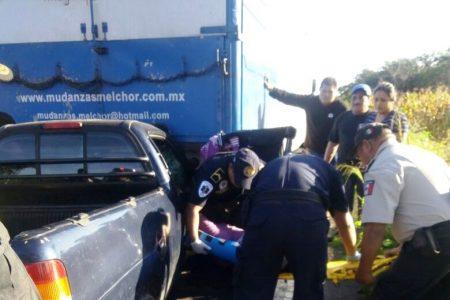 Accidente en carretera arruina el viaje a Cancún de una familia