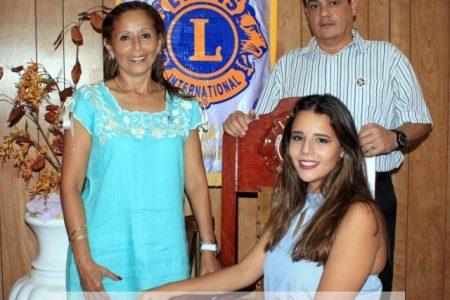 Jovana Olmedo Baeza, nueva reina del Club de Leones Mérida