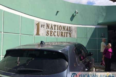 Por temor a que los incaute PGR, meridanos retiran bienes de First National Security