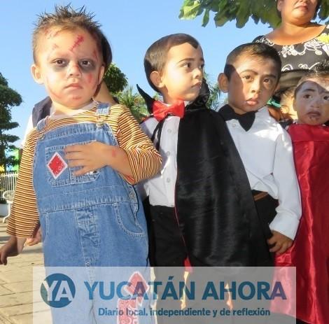 Janal Pixán de día, Halloween de noche, en Yucatán