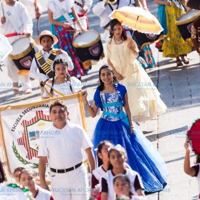 Vistoso desfile de la Revolución Mexicana en Mérida