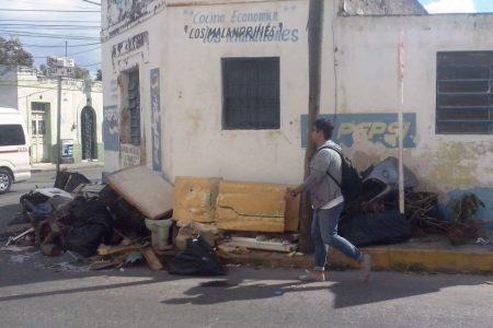 El Gobierno se niega a recolectar cacharros que dejó en calles de Mérida