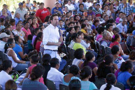 """En Motul piden a Pablo Gamboa que lleve """"Tu Tiendita"""" y """"Consultorio Móvil"""""""