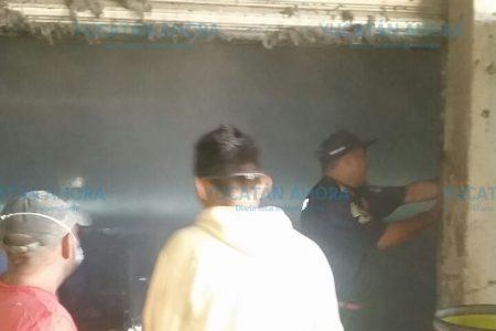 Se quema bodega de hilos en la salida de Umán