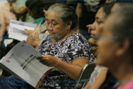 Papeles en mano, kanasinenses ya son dueños de predios