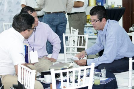 Mueven la economía local promoviendo negocios entre empresarios de Mérida