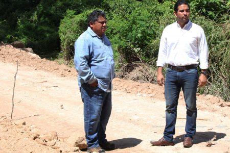 Construyen camino rural para impulsar la cuenca lechera