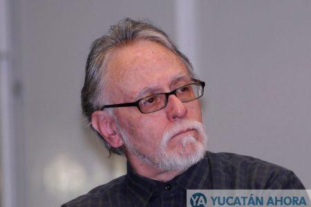 Eligen a David Huerta para el Premio Excelencia en las Letras 'José Emilio Pacheco'