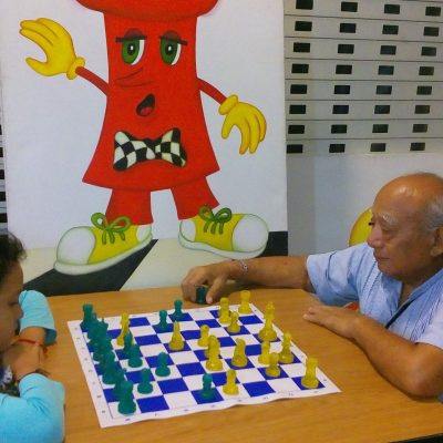 El club 'Bobby Fischer', una mina de entrenadores del juego ciencia