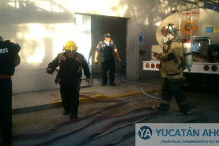 Incendio en la Facultad de Medicina de la Uady