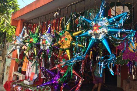 Emprendedora navideña en Chuburná de Hidalgo