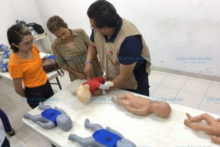 Enseñan habilidades para proteger la vida de bebés en cendis