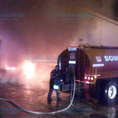 Explosiones a media noche le avisaron que se quemaba su vehículo