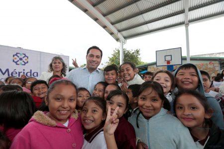 Estudiantes de la primaria Ignacio Ramírez de la colonia María Luisa estrenan techo