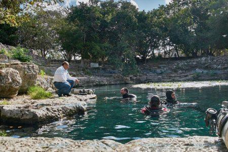 Controlan el lirio y peces que afectan el cenote de Dzibilchaltún