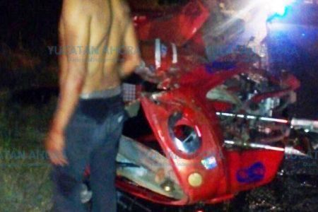 Mototaxista alcoholizado y su pasajera quedan lesionados en una volcadura