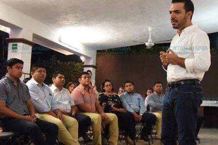 Profesionistas analizan propuestas con Elías Lixa
