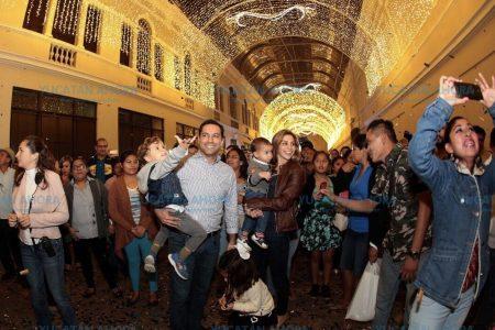 Inauguran vistoso espectáculo de luces y música en el Pasaje de la Revolución
