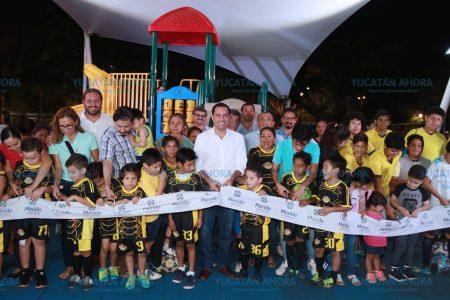 Entrega Mauricio Vila obras de rehabilitación en el parque de San Pedro Cholul